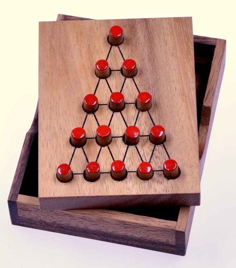 der letzte k mpfer dreieck solit r steckspiel denkspiel knobelspiel geduldspiel aus. Black Bedroom Furniture Sets. Home Design Ideas
