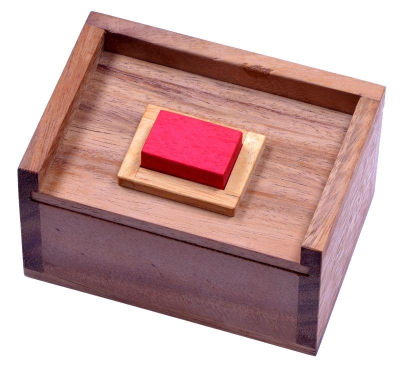 der rote stein 3d puzzle denkspiel knobelspiel geduldspiel im holzkasten spiele f r 1. Black Bedroom Furniture Sets. Home Design Ideas