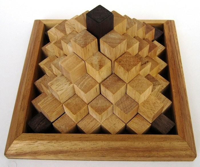 keops pyramide 3d puzzle denkspiel knobelspiel geduldspiel aus holz spiele f r 1 spieler. Black Bedroom Furniture Sets. Home Design Ideas
